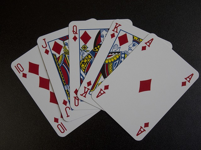 playing-cards-809356_640